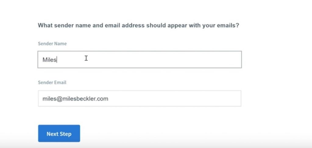 A pic showing you how to use aweber to build your email list step 4